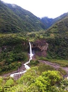 Cascada 'manto de la novia' Baños Ecuador