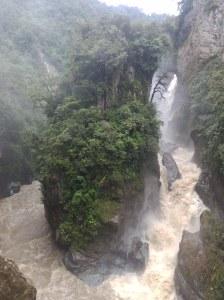 Cascada 'Pailón del diablo' Baños ecuador