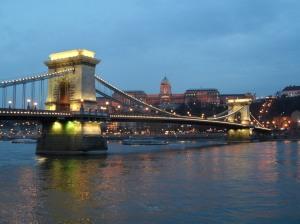 puente cadenas budapest